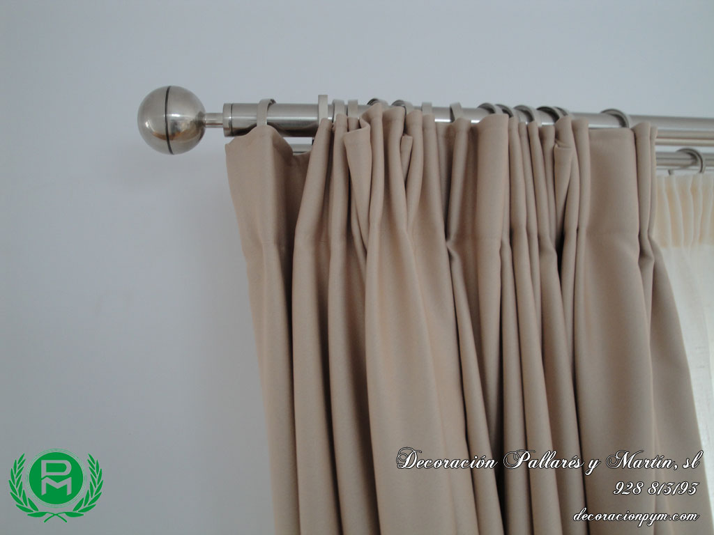 Estores y doble cortina con barra de acero quotes for Anillas de cortinas